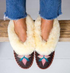 handmade-sheepskin-moccasins