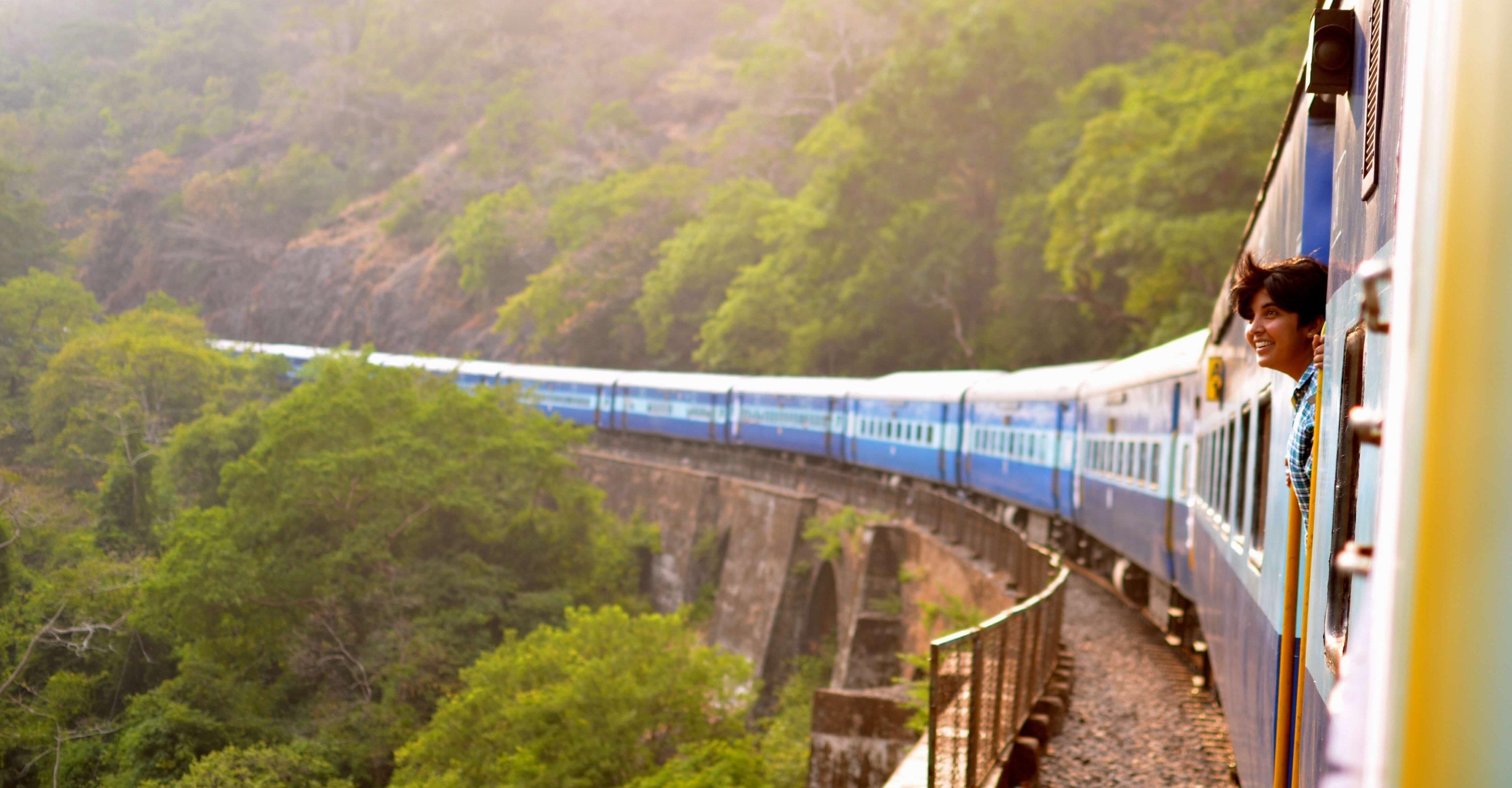 train-panorama