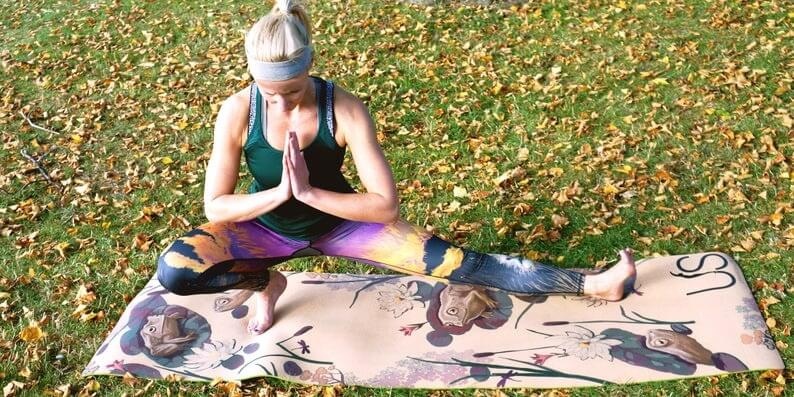 yoga-mat-environmentally-friendly-frogs-design-rubber