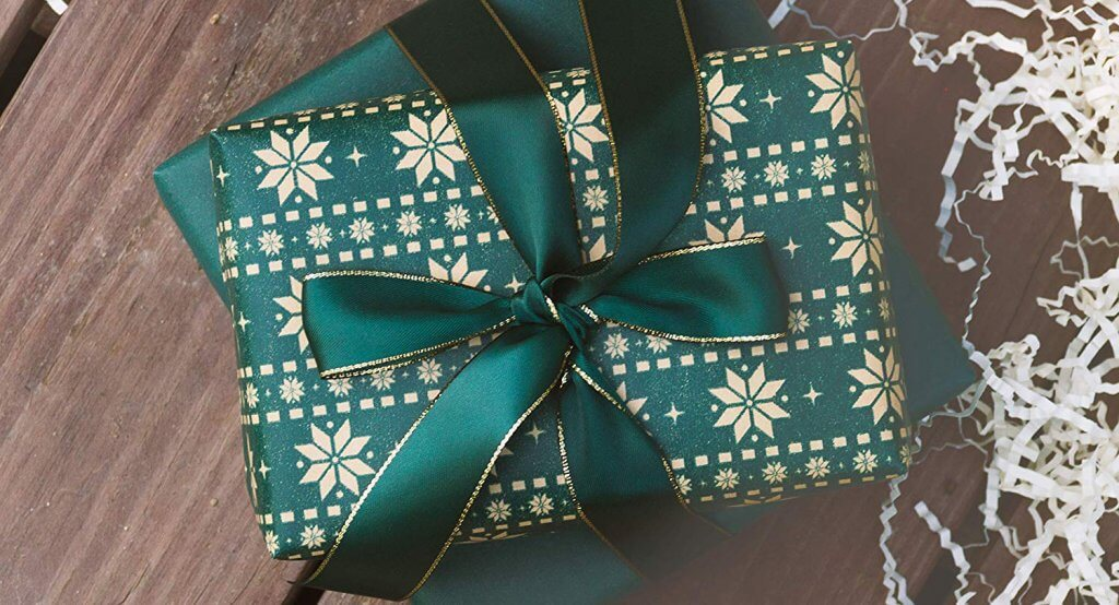 15 Eco Friendly Gift Wrapping Ideas More For Christmas Beeco